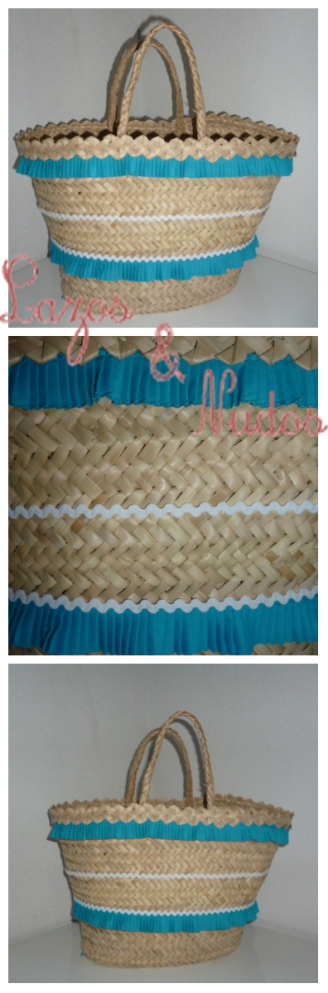 Bolso plisaito azul y piquillo blanco
